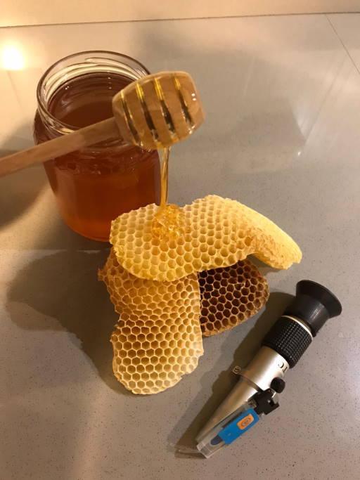 miele e rifrattometro